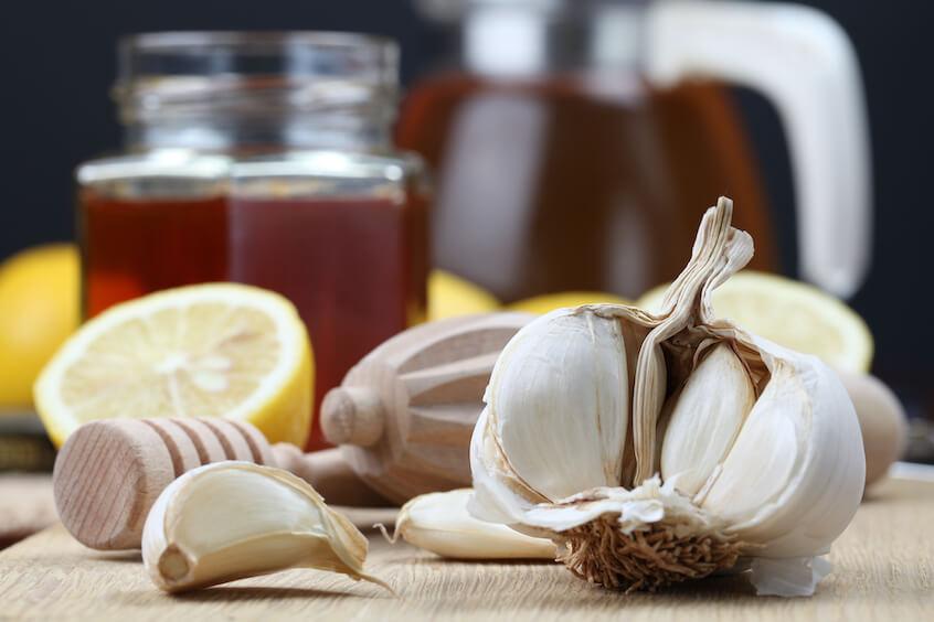 drinking garlic tea